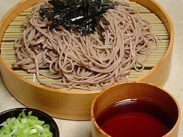 Soba (buckwheat noodles) served cold